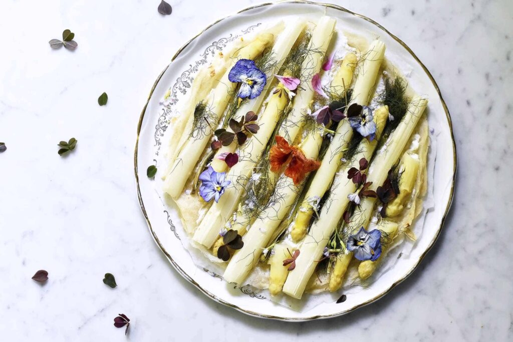 My Spring floral lunch in the garden serving white asparagus