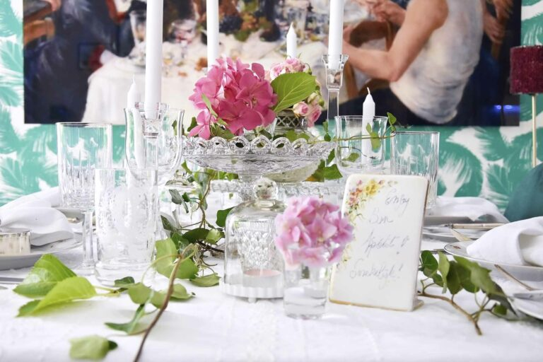 10 mistakes most people make when setting a table