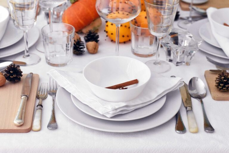5 Autumn budget table decoration tips to embrace the season